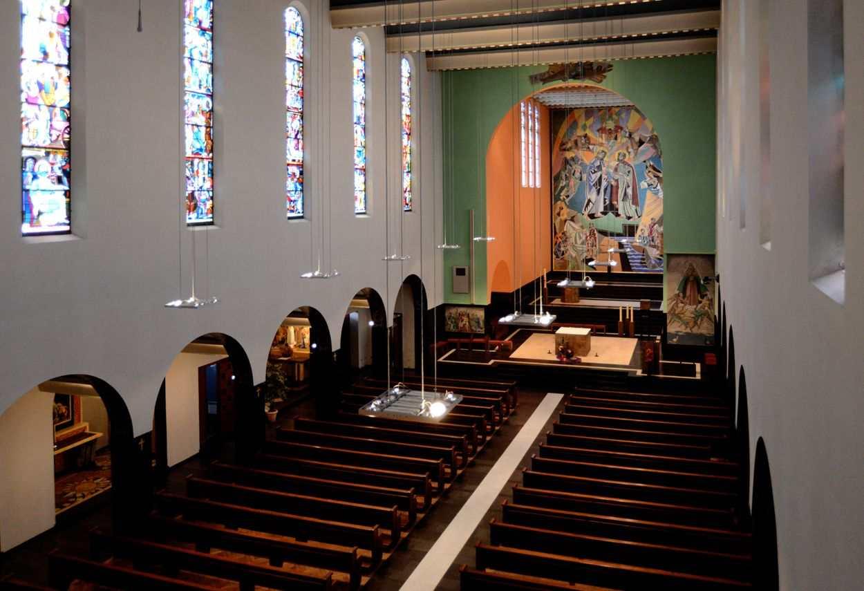 Fribourg St. Pierre Church in Switzerland - internal view