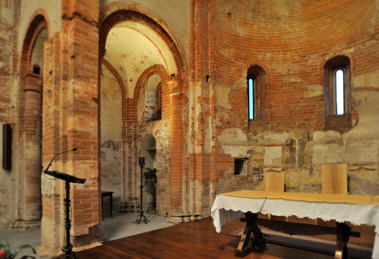 Church of Santa Maria Rossa view of the altar and the chapel - building lighting design