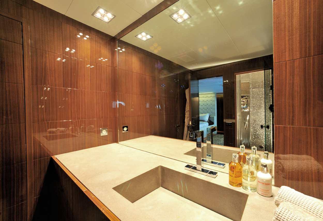 Yacht Mangusta 130 MAO detail bathroom - retail lighting design