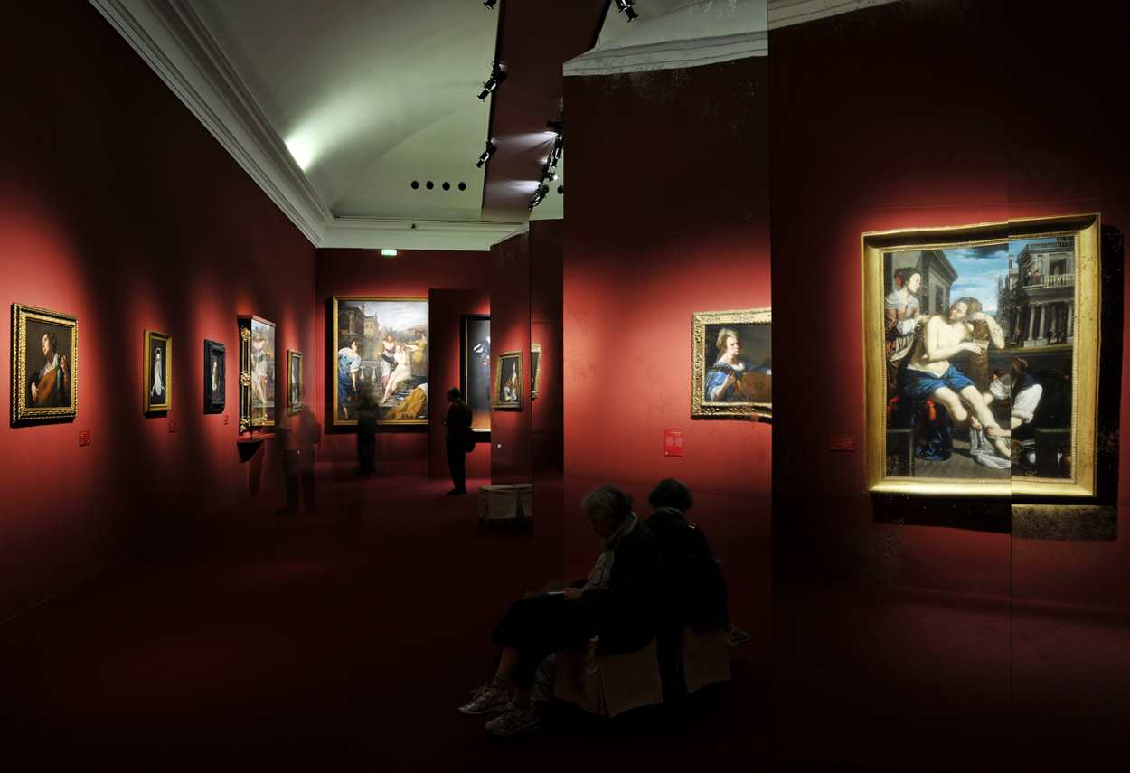 Royal Palace Artemisia Gentileschi Exhibition itinerary - museum lighting design