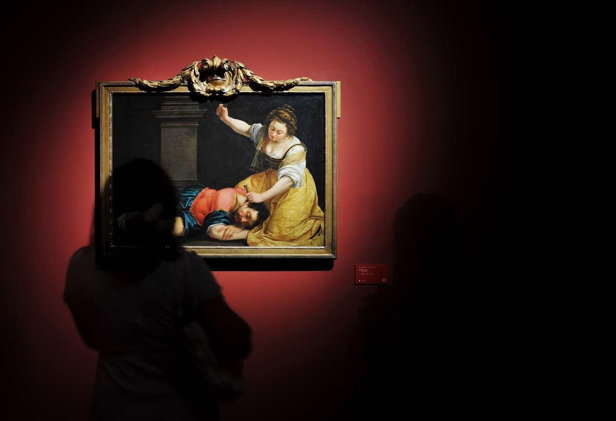 Royal Palace Artemisia Gentileschi Exhibition - museum lighting design