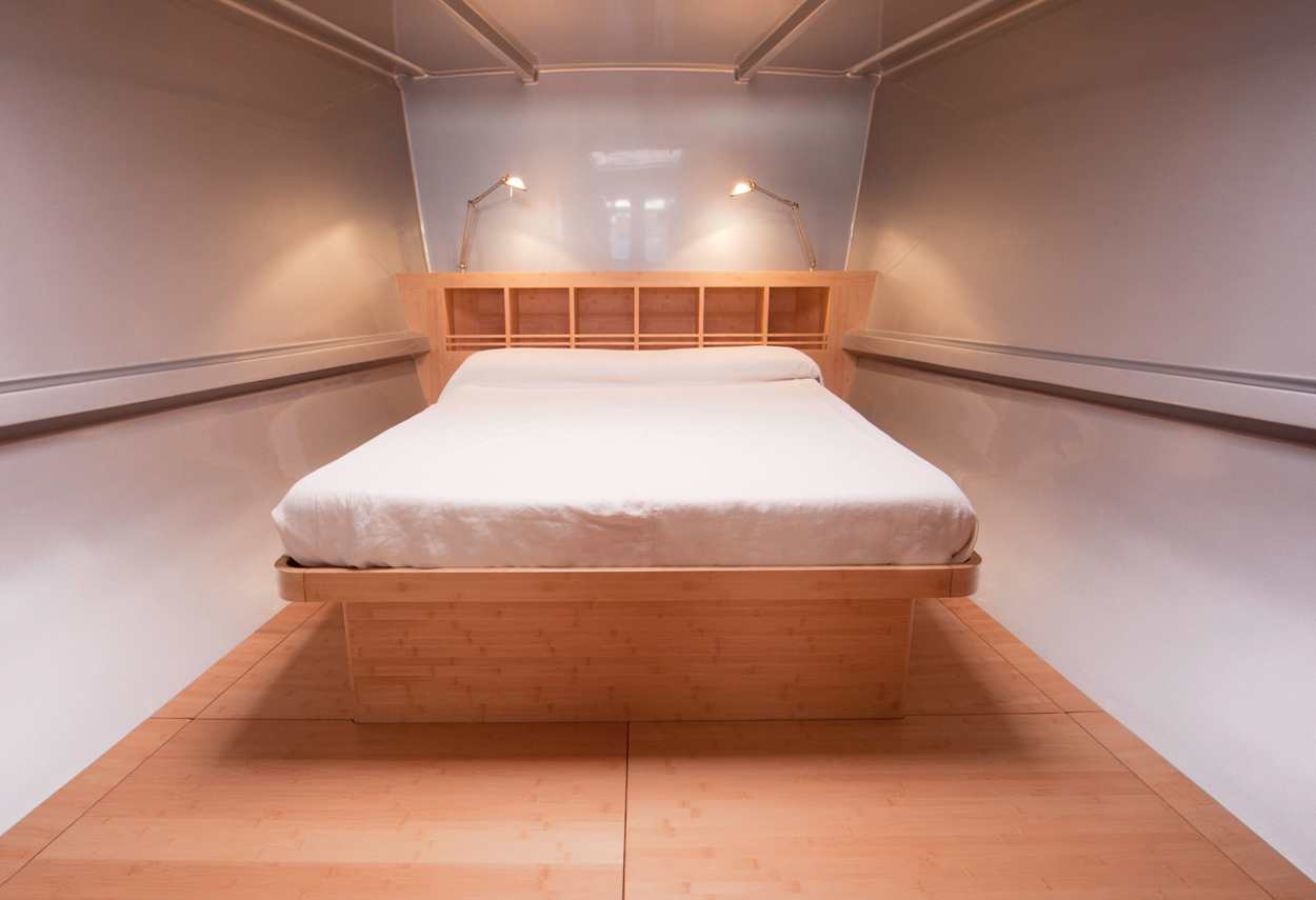Yacht Sailing Boat Mandrake room - retail lighting design