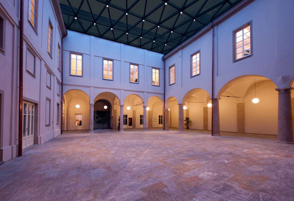 Alessandria Vetus Palace internal court- architectural outdoor lighting