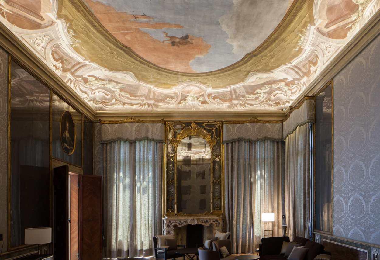 Venezia Papadopoli Palace Aman Resorts illuminated detail of ceiling and decor - architectural outdoor lighting