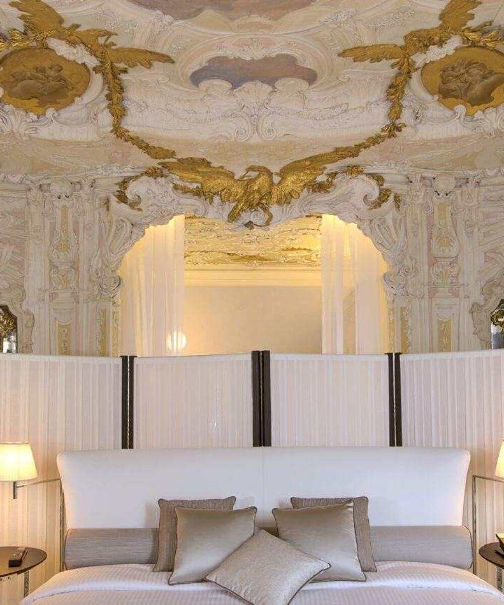 Venezia Papadopoli Palace Aman Resorts suite - architectural outdoor lighting