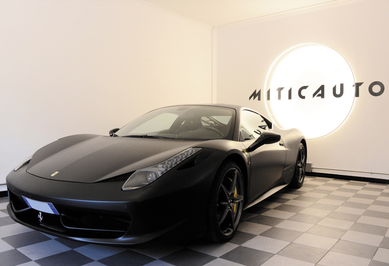 Showroom Miticauto ferrari car - retail lighting design