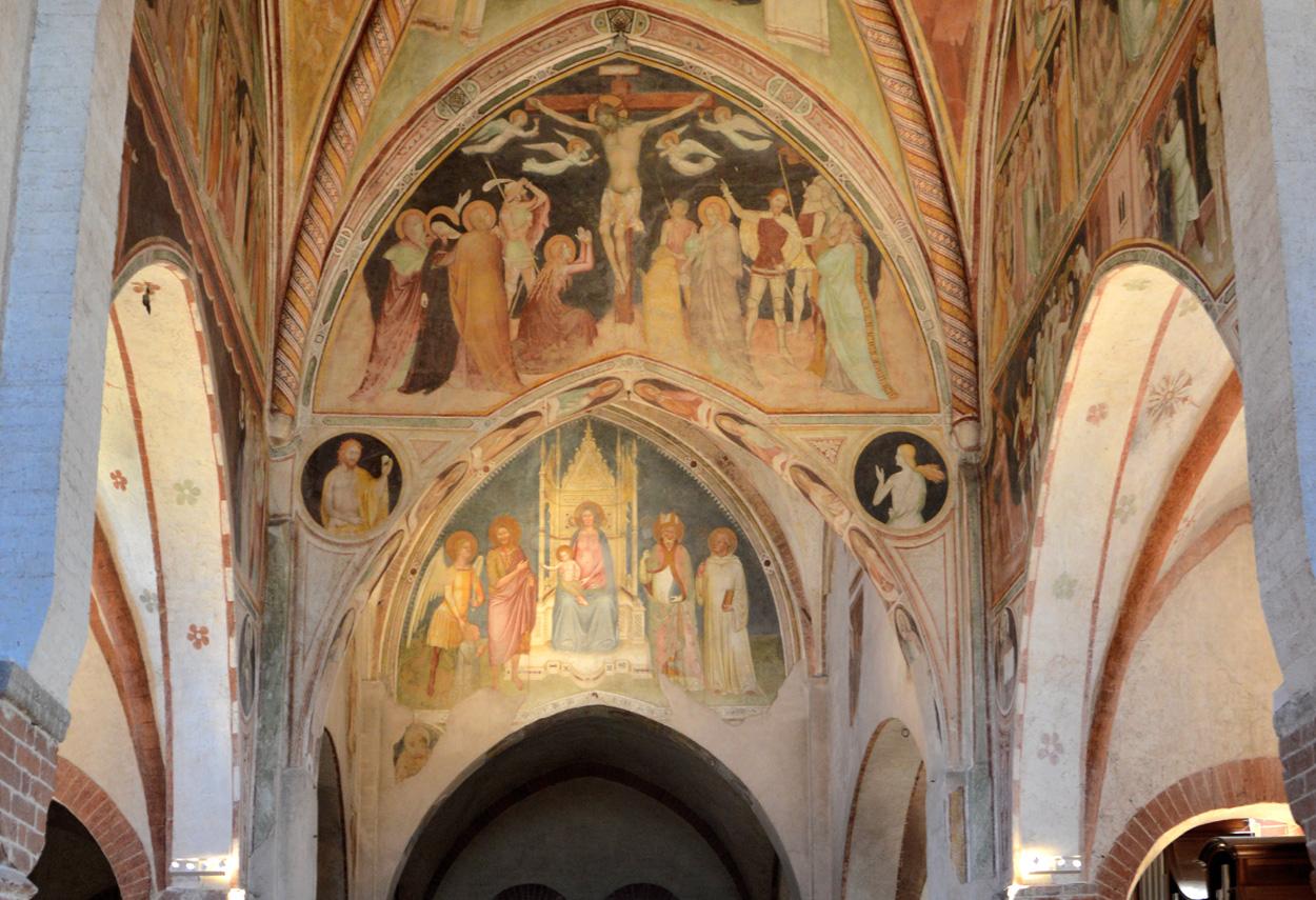 Monastero di Viboldone Lighting frescoes on the altar - building lights