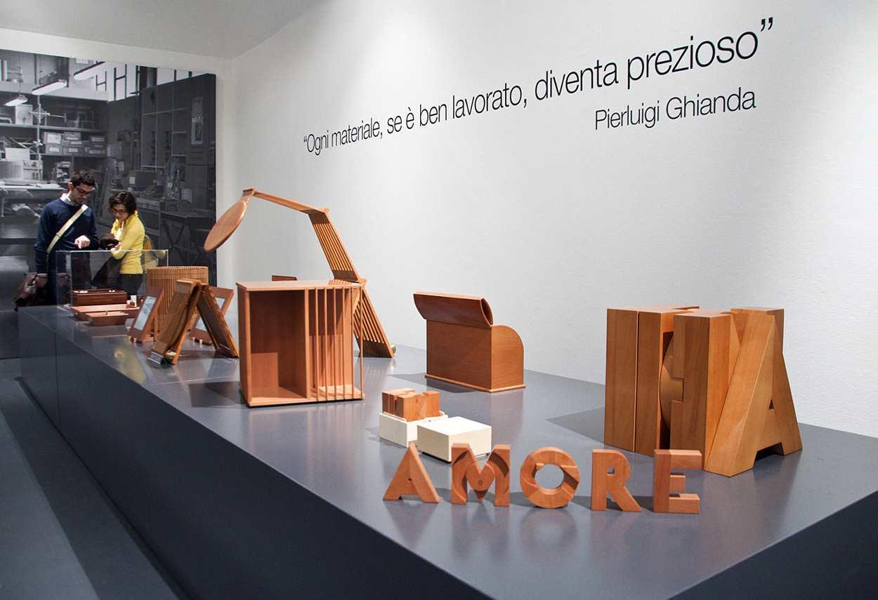 Triennale Palace Pierluigi Ghianda Exhibition dettaglio esposizione - illuminazione musei