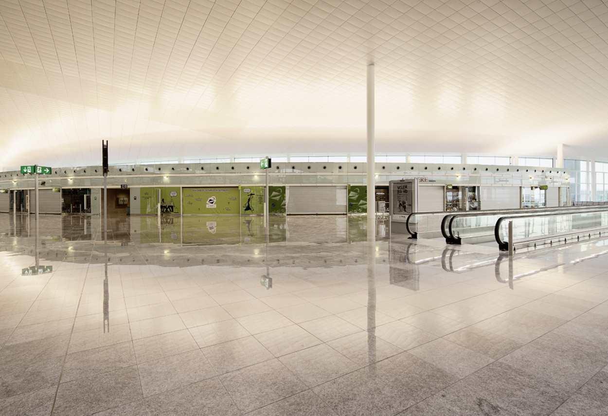 Barcelona El Prat Airport spazi di servizio - design luce