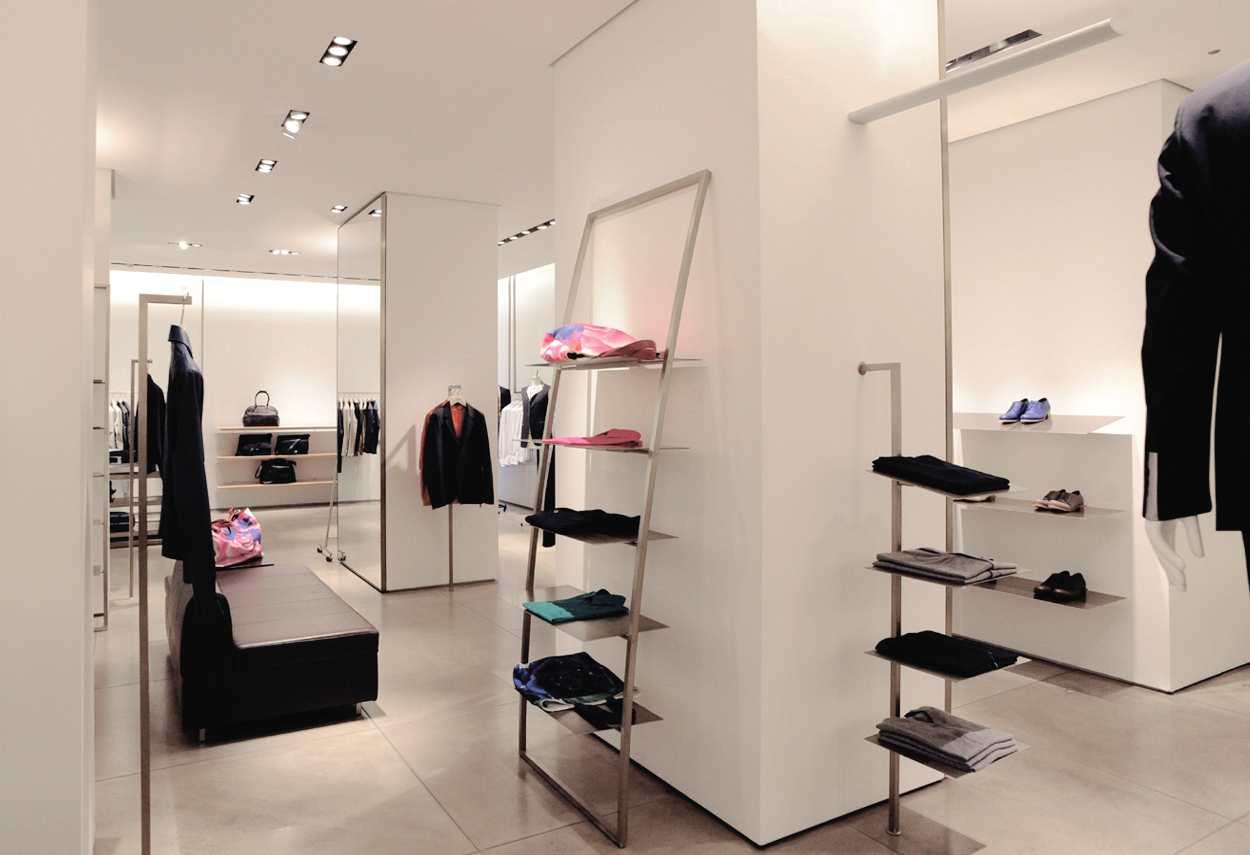 Jil Sander Showroom a Milano vista interni - Illuminazione Vetrine