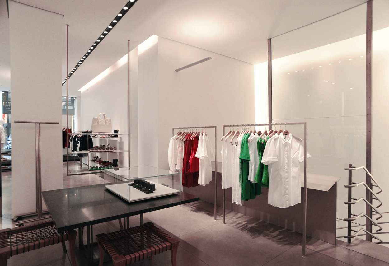 Jil Sander Showroom a Milano illuminazione interna - Illuminazione Vetrine