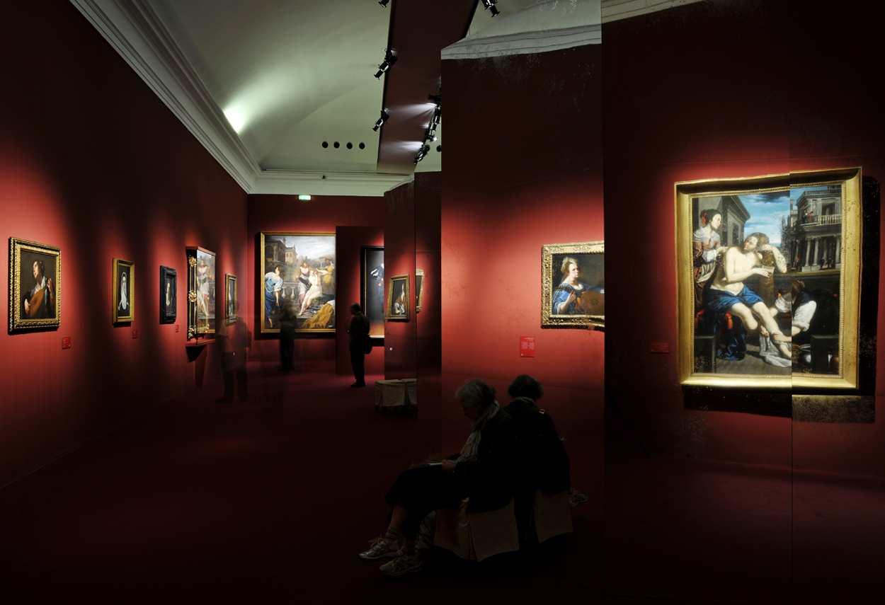 Royal Palace Artemisia Gentileschi Exhibition percorso espositivo - illuminazione musei