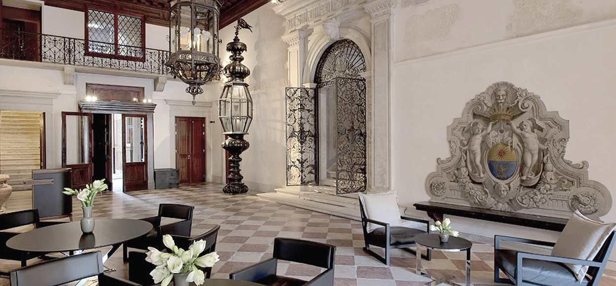 Papadopoli Palace Aman Resort sala con scultura - Illuminazione architetturale