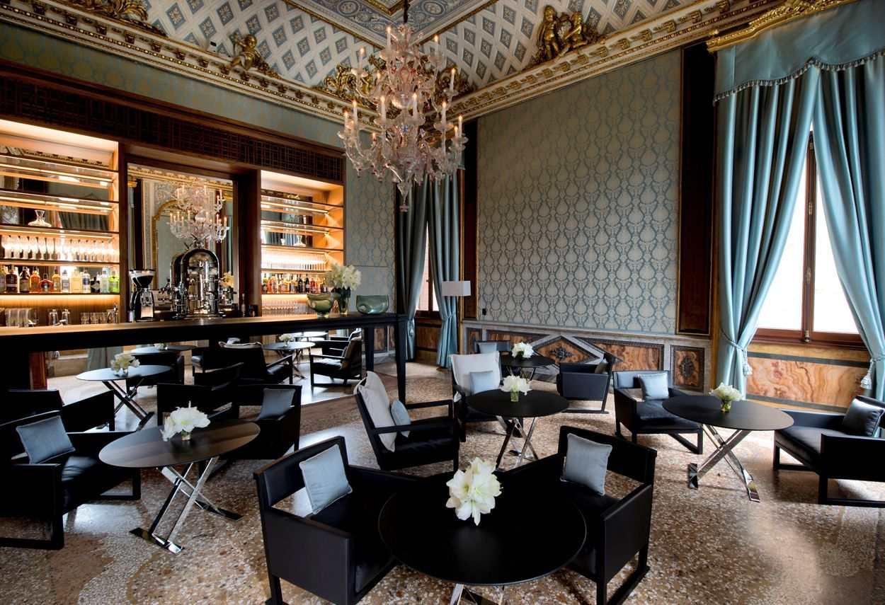 Papadopoli Palace Aman Resorts sala con drappeggi - Illuminazione architetturale
