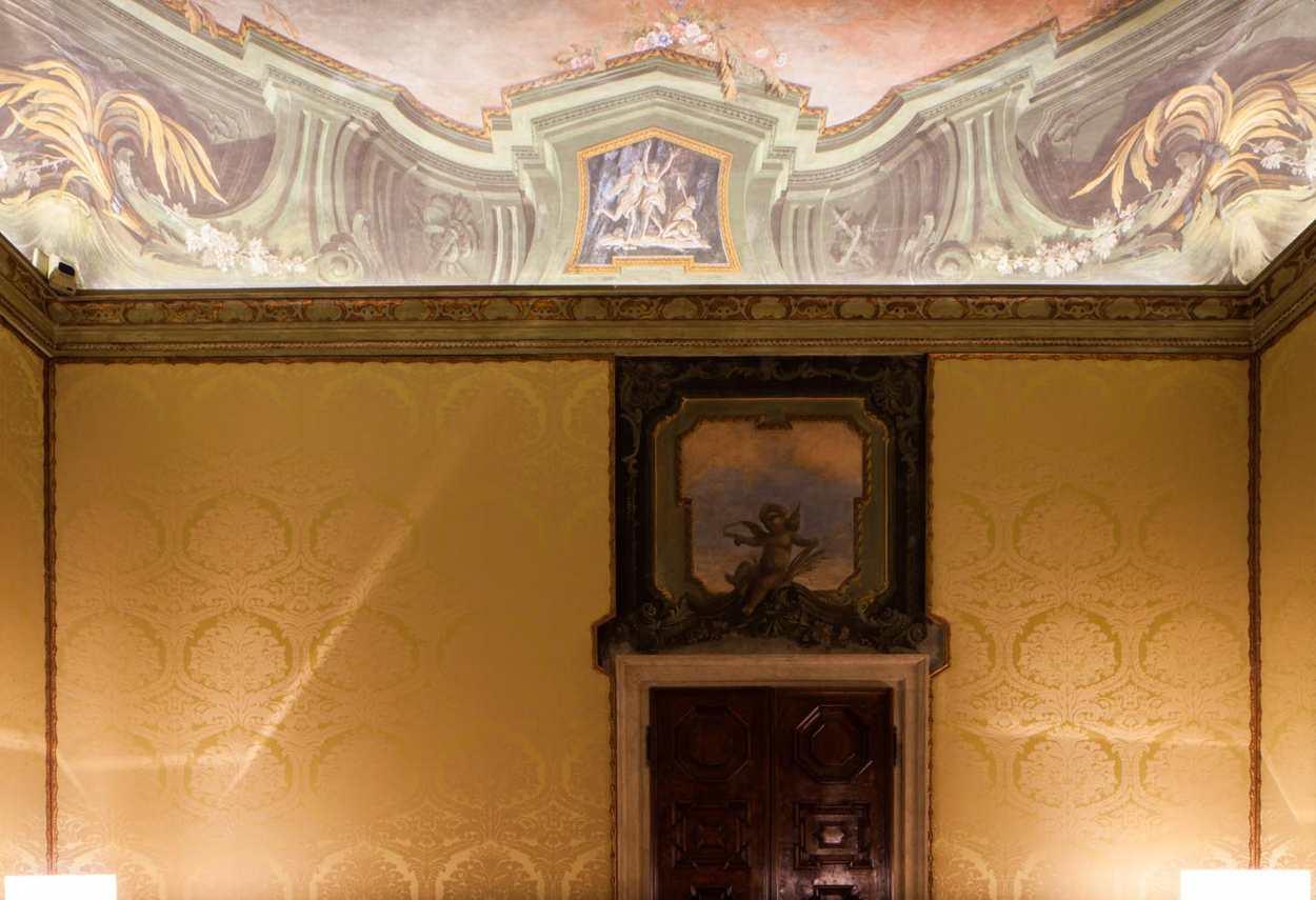 Papadopoli Palace Aman Resorts dettaglio decori soffitto - Illuminazione architetturale