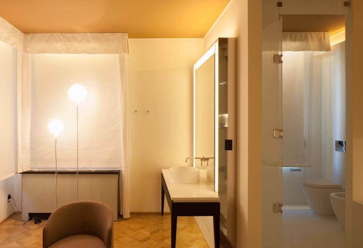 Papadopoli Palace Aman Resorts dettaglio sala da bagno - Illuminazione architetturale