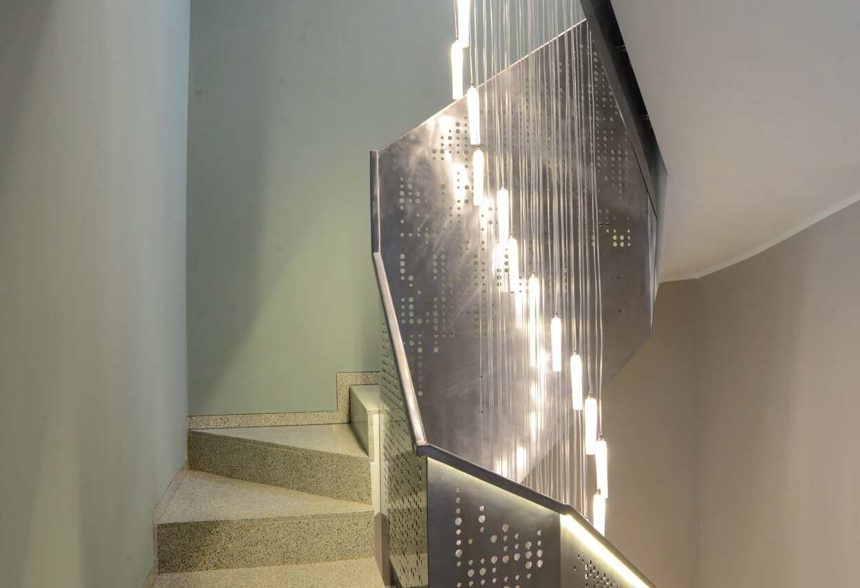Italy Milan Private House Light Fall scala illuminata