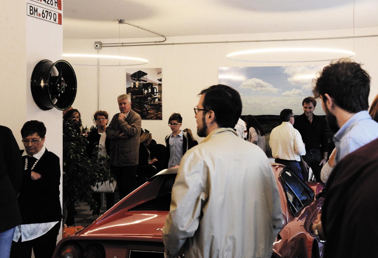 Showroom Miticauto a Colleferro visita del sindaco - illuminazione vetrine