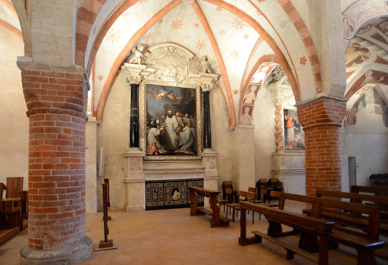 Monastero di Viboldone sala con quadro - Design Luce
