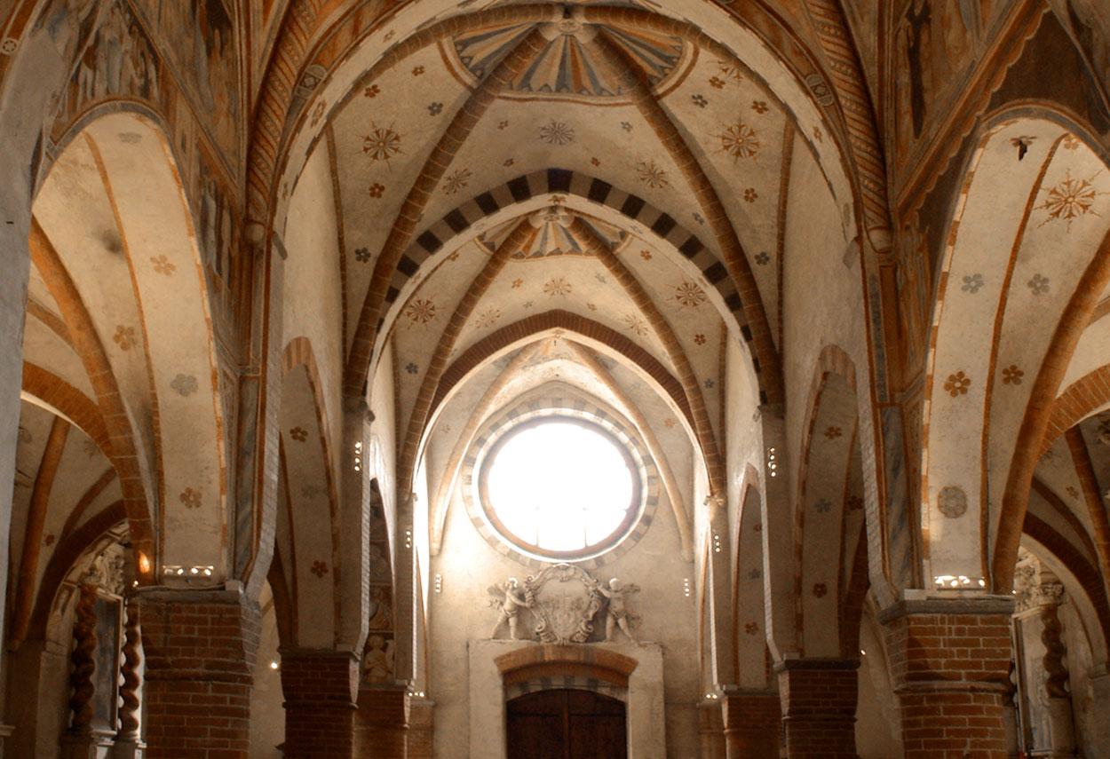 Monastero di Viboldone illuminazione vista interna - Design Luce