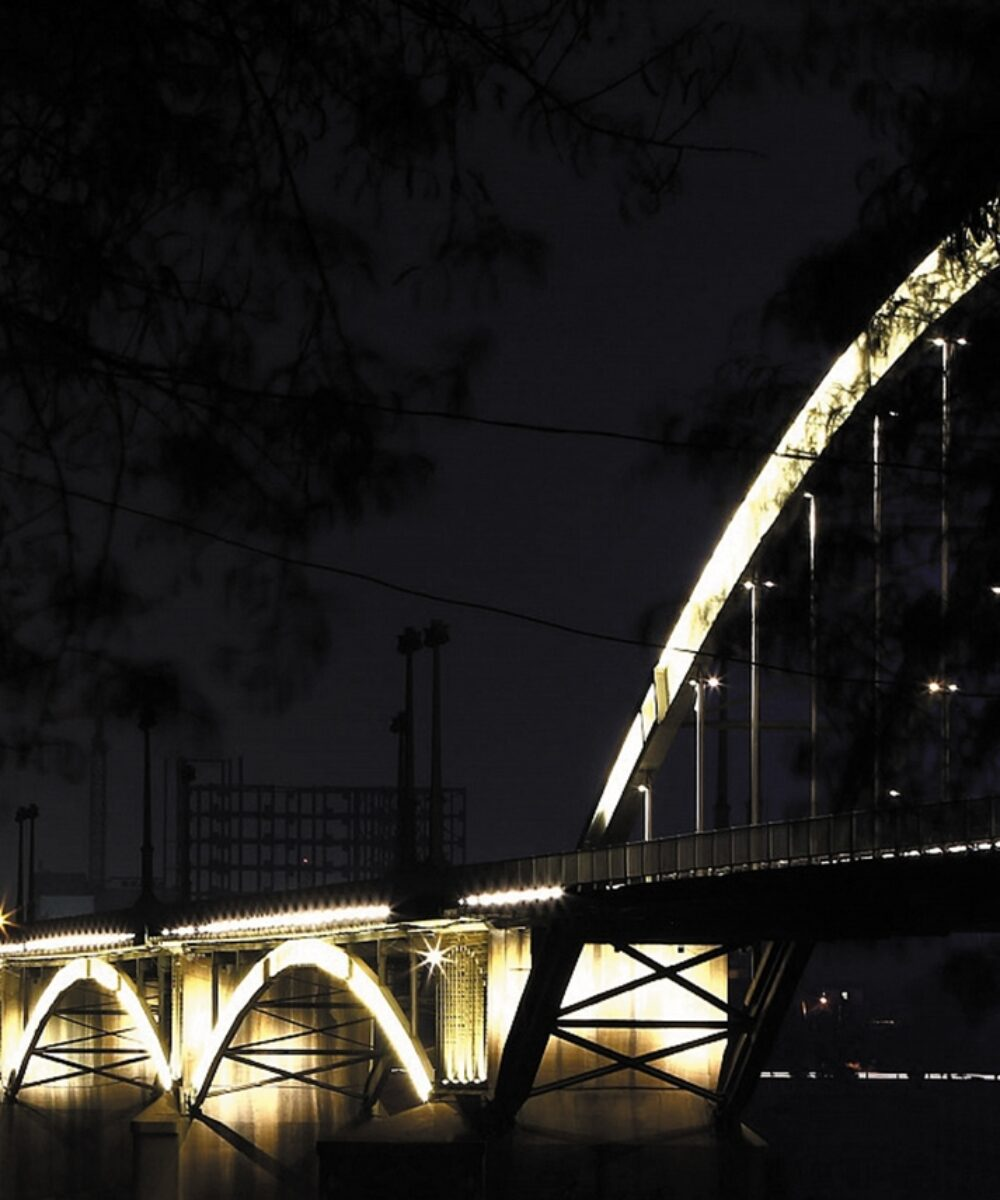 Iran Ahvaz Illuminazione di Ponti