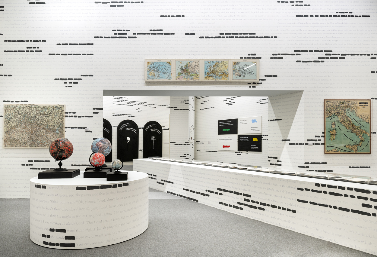 Vista globale delle di alcune opere della Mostra Isgrò