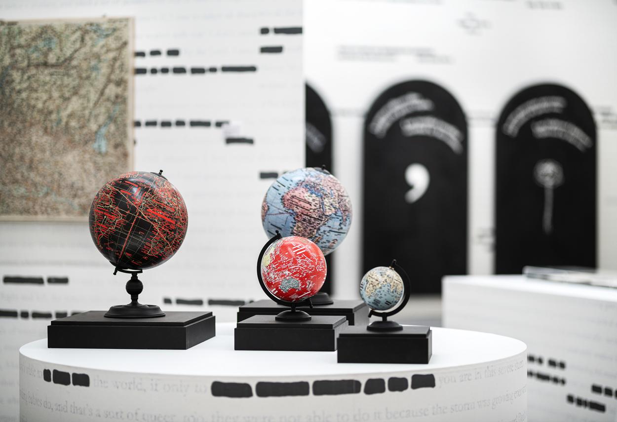 Dettaglio di alcune opere dell'artista Emilio Isgrò