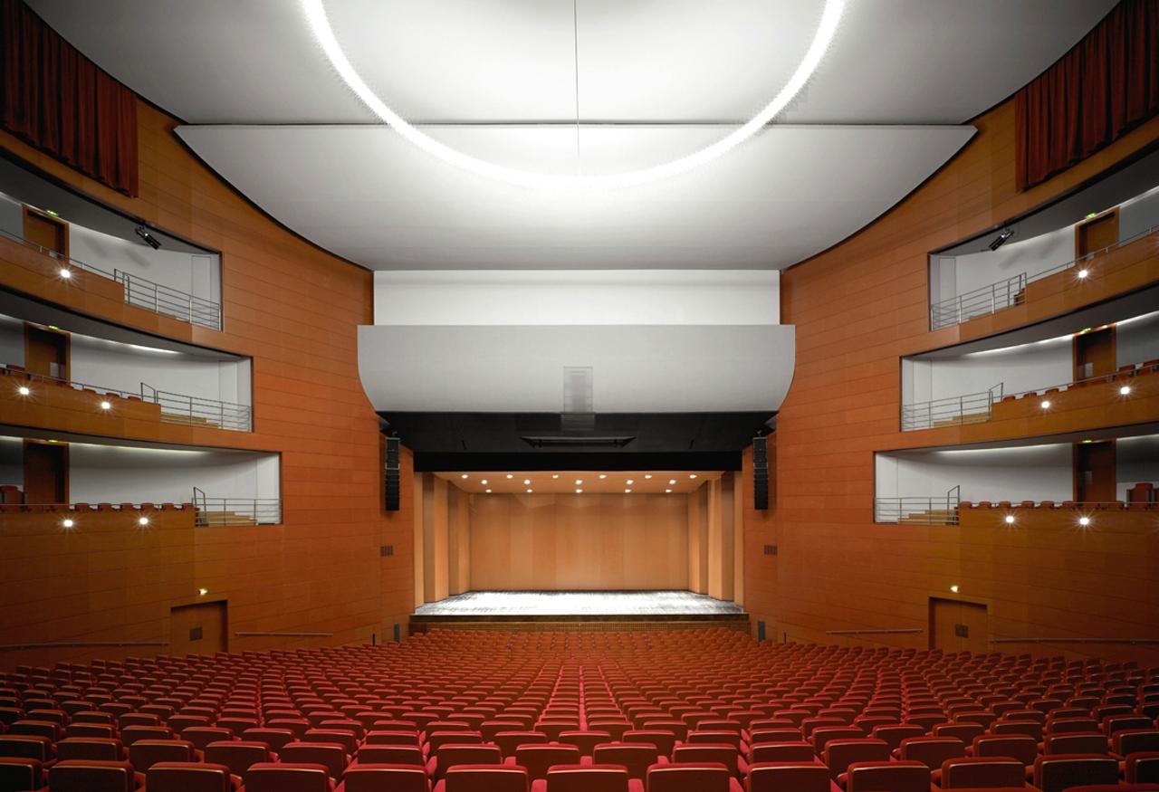 2006 – Francia - Pays d'Aix - La Sala degli spettacoli di Pays d'Aix - Illuminazione generale