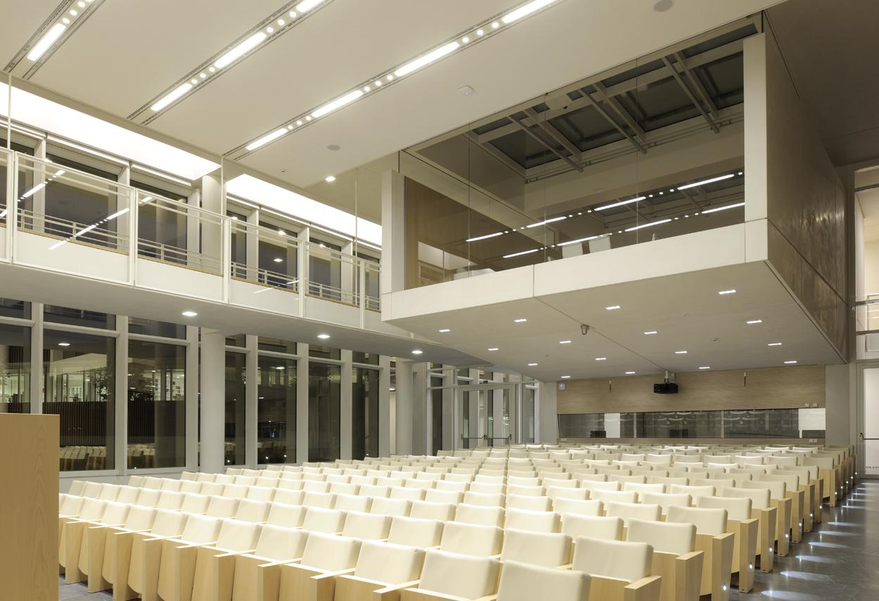 L'auditorium con l'illuminazione