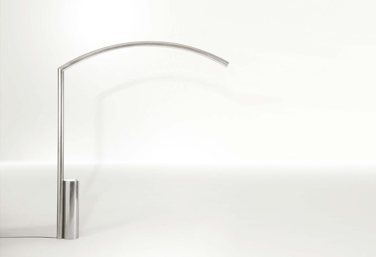 Dettaglio della lampada Goldengate progettata da Nanda Vigo